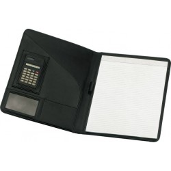 מכתביה עם מחשבון ובלוק נייר